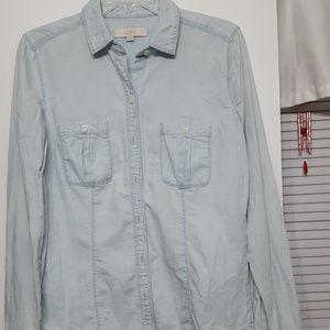 Cute  Chambray shirt ,Loft ,Med.